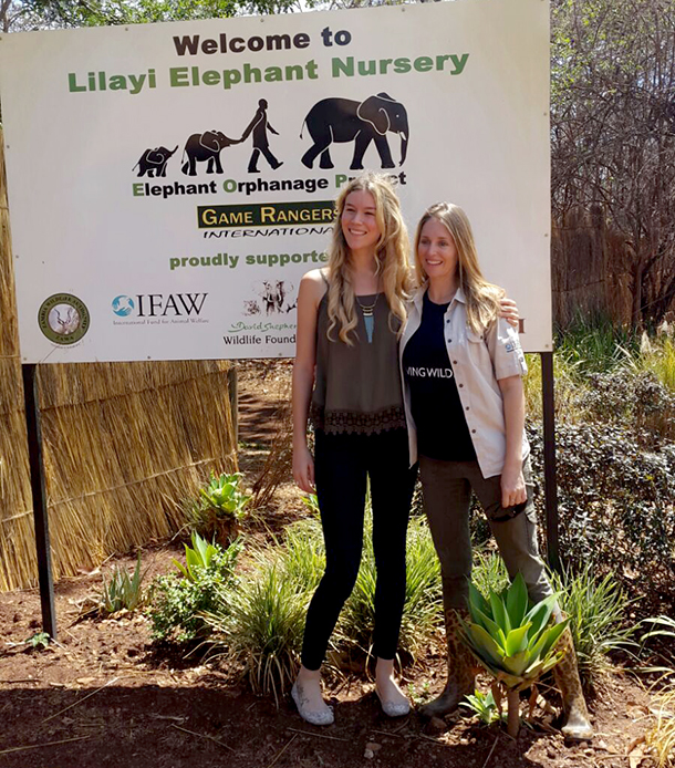 Joss Stone with Rachael Murton, project manager – Elephant Orphanage Project