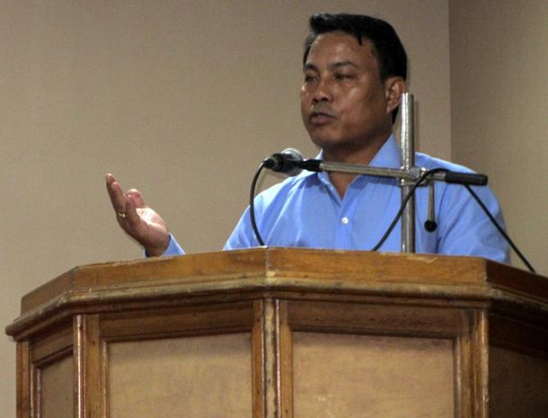 Kampa Borgoyari, Bodoland Territorial Council Deputy Chief, addresses Manas National Park restoration meeting.