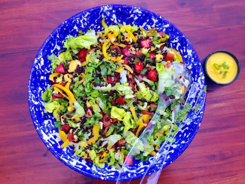 Black rice salad with mango sauce